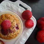 Muffins-me-leuki-sokolata-kai-me-rasberries-1