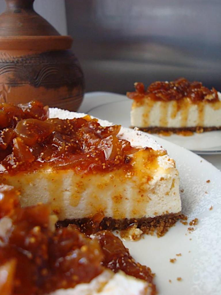 Tsizkeik-me-anthotiro-kai-marmelada-sika-2