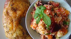 kotopoulo-phito-me-pligouri-salata-1