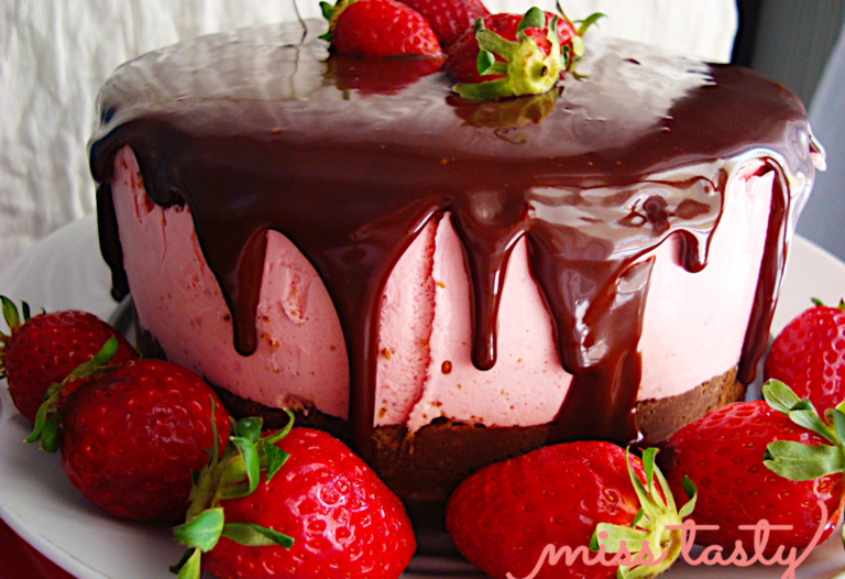 Cheesecake-fraoulas-me-glaso-sokolatas-1