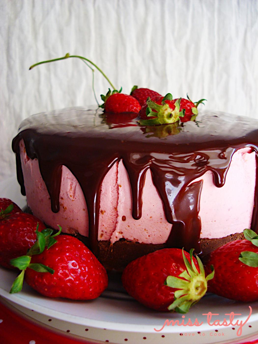 Cheesecake-fraoulas-me-glaso-sokolatas-2