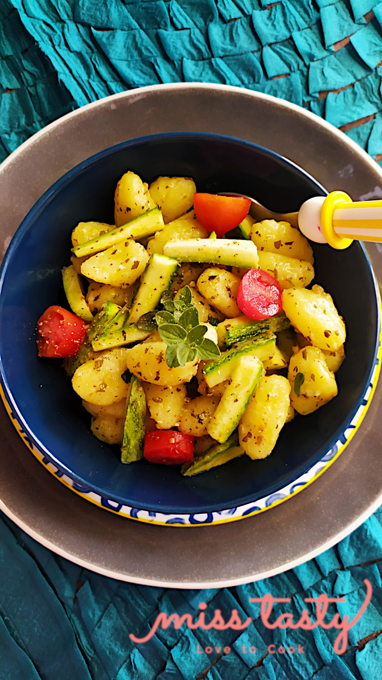 Nioki-patatas-pesto-kolokuthakia-4