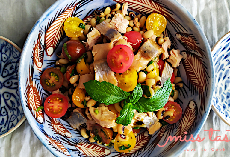 Salata-mavromatika-regka-ntomatinia-1