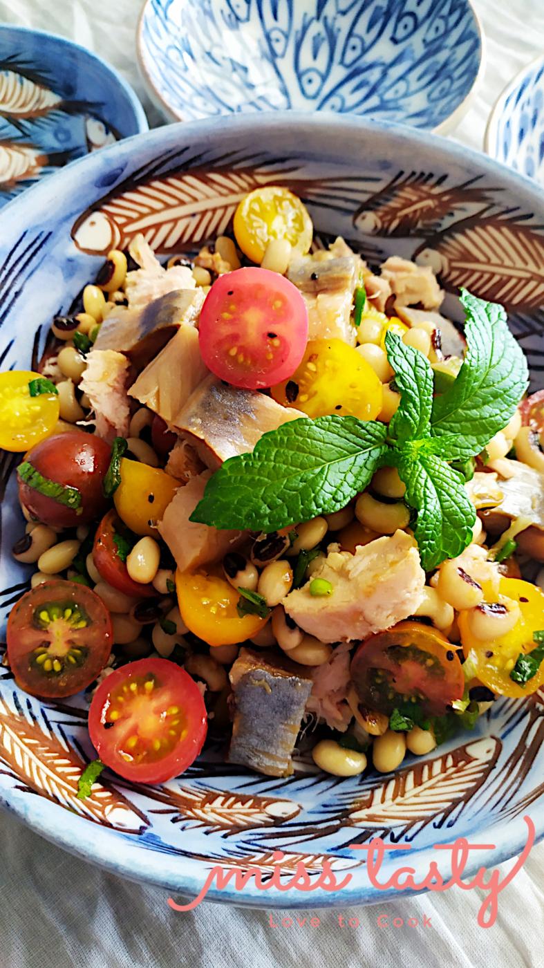 Salata-mavromatika-regka-ntomatinia-3