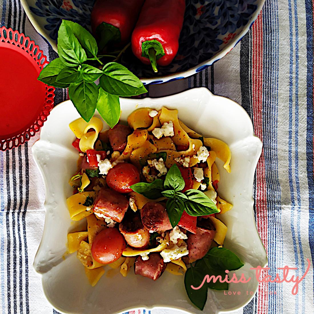 Lazania-thnou-loukanika-pasta-flwrinhs-5
