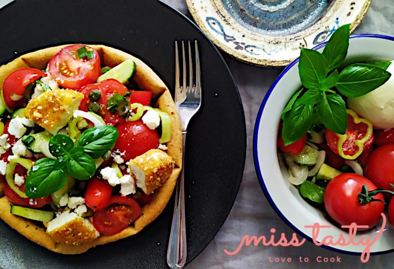 Salata-ntomatinia-thganito-mpalaki-thnou-1